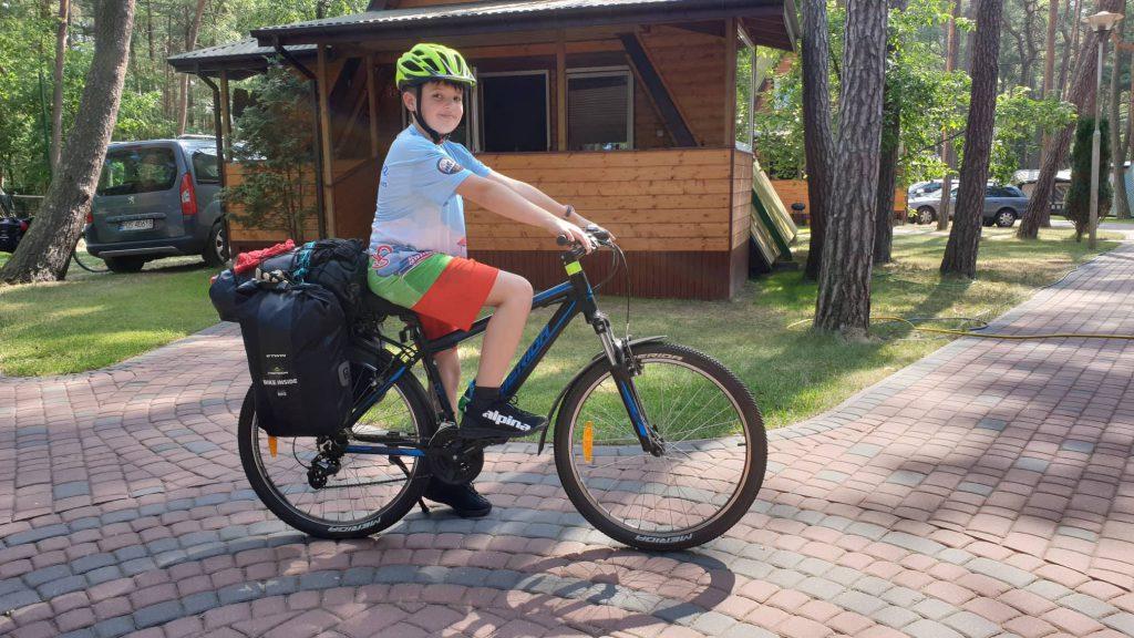 Kamil na rowerowym szlaku R10 z Alpina EWL